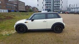 Mini Cooper Chili pack, XENONS, SAT NAV