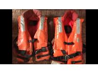 2 Auto / manual life jackets with C02 cylinders.