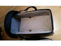 Maclaren Soft Carrycot in Black and Champagne