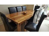 ** TOP QUALITY SOLID OAK WOOD DINNING TABLE WITH 8 MATCHING LEATHER CHAIRS **