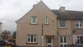 3 BED UPPER FLAT TO LET WITH GARAGE GARDEN AND DRIVE