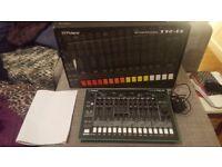 Roland TR-8 Aira Rhythm Performer - Amazing Drum Machine! 909 808 TR8