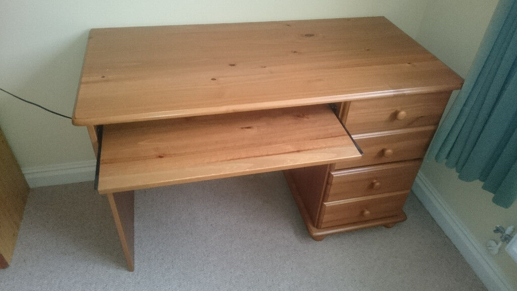 Computer Desk Pull Out Keyboard Shelf And 4 Drawers In Pine