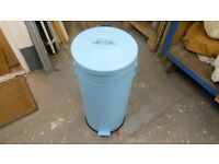 original kitchen bin from the 1970s with a soft closing lid. pale blue. excellent condition