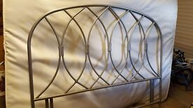 Kingsize metal headboard (Silver)