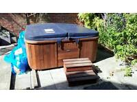 Jacuzzie/hot tub 5 seater
