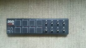 Akai LPD8 MIDI Controller