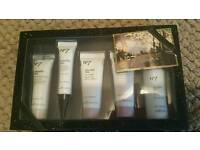 No7 gift box selection brand new