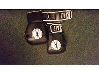Muhammad Ali boxing gloves 112oz