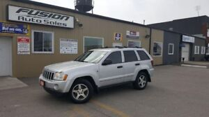 2005 Jeep Grand Cherokee Laredo-4x4-LEATHER-HEATED SEATS-TOW PKG