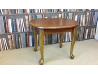 Pine Coffee Table / Side table. Excellent condition