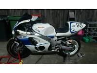 98 gsxr 750 track bike. Ohlins akra quickshifter