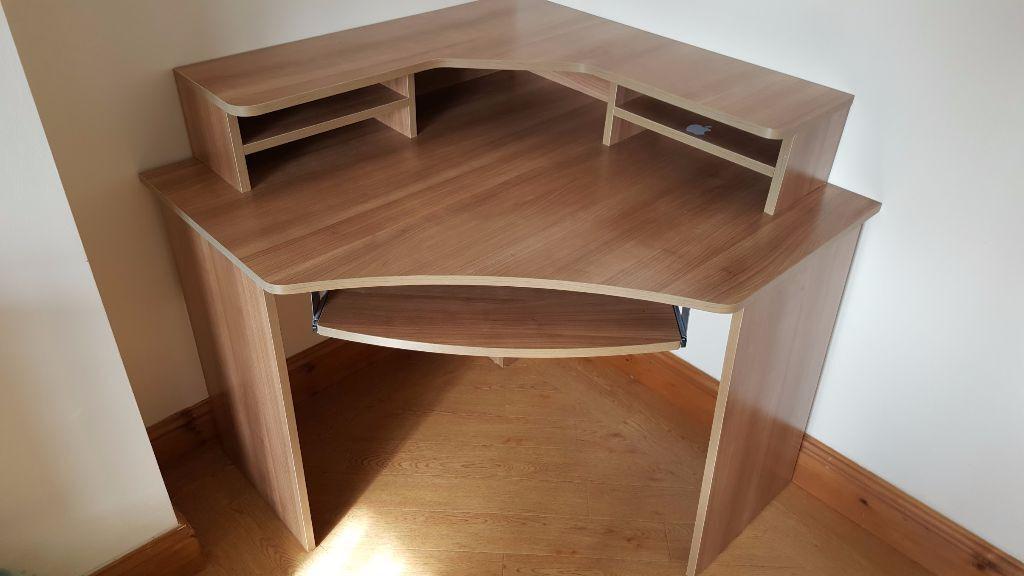 Ferrera Corner Desk in Birchgrove Swansea Gumtree : 86 from www.gumtree.com size 1024 x 576 jpeg 52kB