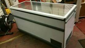 Chest Freezer - Novum Tx 32550 MTIC EI Clear Glass Top Chest Freezer