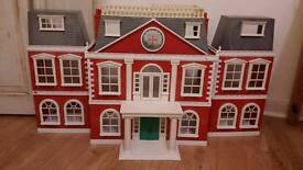 Sylvanian Families Regency Hotel With furniture and 30 figures