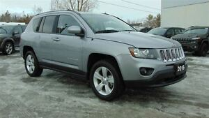 2016 Jeep Compass NORTH - EXECUTIVE DEMO - ONLY 14,000 KMS