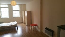 Self contained studio flat in Enfield-Church Street , £180 pw.excl.Council Tax and water rates