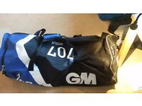 GM 707 wheelie bag