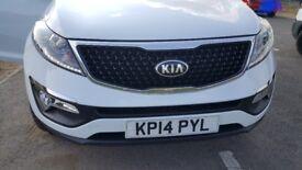 Kia sportage 1.6 2014. 3+ years warranty remaining. MOT 17th Aug 2018