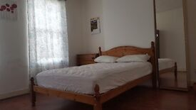 Double room available..clean, cpacious, furnished in Grays Essex..