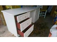 As new Schrieber dressing table