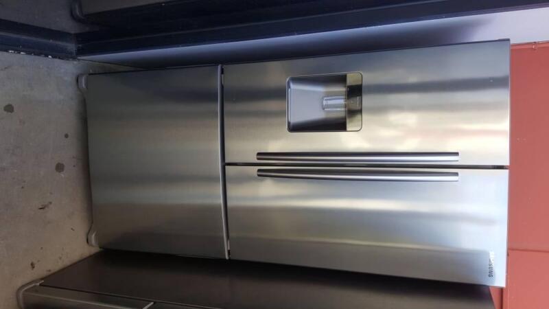 Samsung 3 French Door Fridge Freezer With Twist Ice Maker Fridges