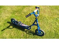 Kids scooter with rear brake and side stand