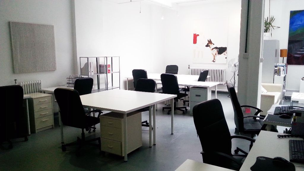 5 Desks Available Now From 163 260 00 Per Desk Per Month In