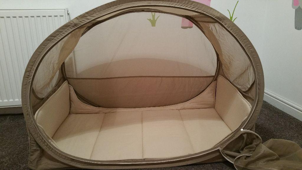 samsonite pop up bubble travel cot excellent condition in bridge of don aberdeen gumtree. Black Bedroom Furniture Sets. Home Design Ideas