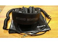 Sony MDR-7506 Professional Studio Monitor Headphones