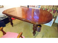 mahogany extendable dining table + 10 chairs. 2m x 1.25m ( 2.9 x 1.25m extended)
