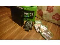 Xbox One, 2 controllers, 6 games