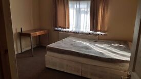 Double Room Available in Langley £600 for couple £400 for single