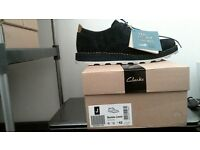 CLARKS ORIGINAL BLUE SUEDE MEN SHOES IN UK SIZE 9 FIT G EUR 43 ITEM CAN BE POSTED.