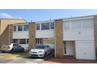 7 Timber Dene - Spacious 5 bedroom house - 2 bedrooms still available