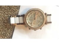 Michael kors watch, hardly used no box included,Good condition
