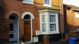 Spacious 1 bedroom flat near Derby centre