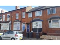 ROOM 2 * NEWTON ROAD * ONE BEDROOM IS SHARED HOUSE * JUST OFF STRATFORD ROAD * CALL NOW TO VIEW