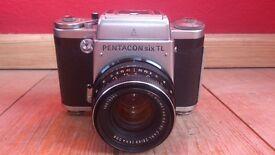 Pentacon Six TL & Light Meter - Medium format film camera. Camera Bag (large)