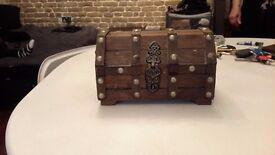 Jewellery box / storage box