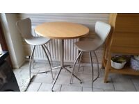 Kitchen HighTable & 2 bar chairs
