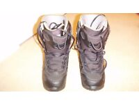 Snowboard boots - size 6