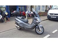 Piaggio X9 250 SCOOTER 2006 (55), ONLY 15,675 MILES, with huge GIVI top box