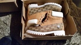 Mens size 7 Timberland Gucci style boots. Brans new in box. Mintit 👌