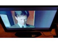 Sharp 37 LCD Freeview TV in lovely Condition