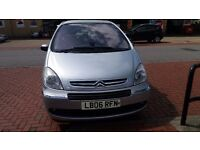 £750 - QUICK SALE NEGOTIABLE Citroen Xsara Picasso 1.6litre petrol Full service history,very good