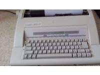 Leader MD11 electric typewriter