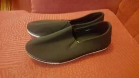 Shoes size 3