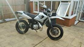 Yamaha dt 125 r sm x re supermoto