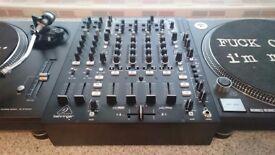Behringer NOX 606 Professional DJ mixer